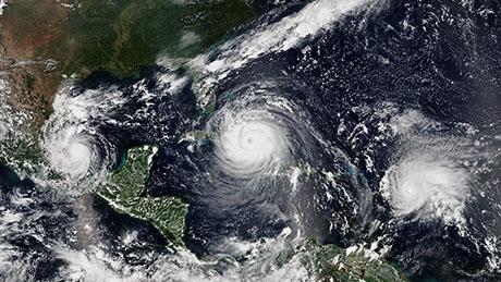 L'initiative de recherche EXCLAIM développe de nouveaux modèles climatiques mondiaux qui intègrent des modèles météorologiques régionaux à haute résolution, simulant directement les tempêtes, les orages et les ouragans. (Photo thématique: Wikipedia/ NOAA)