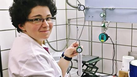 Kristýna Kantnerová in her lab at Empa. Image: Empa