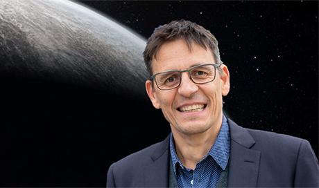 Didier Queloz dirigera un nouveau centre à l'ETH Zurich qui abordera une question scientifique fondamentale. (Image: Université de Genève)